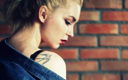 Wall Blonde Girl Tattoo Swallow HD Wallpaper