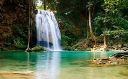 Beautiful Waterfall HD Pics