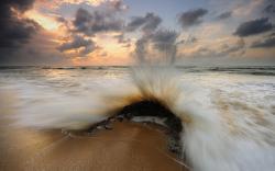 Wave clash rock