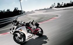 Yamaha-R1-Track-268.jpg