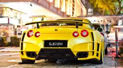Singapore nissan gtr35 tuning yellow
