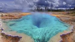 The Deep Blue Hole in Yellowstone Park Hd Wallpaper Fullhdwpp