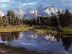 Yellowstone Background 28666 2560x1600 px